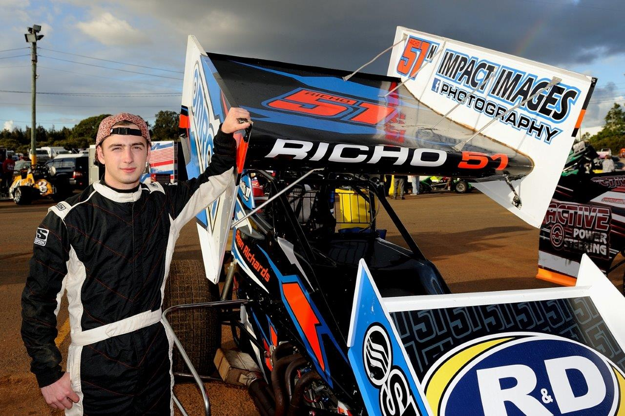 Sean Richards is about to start his first season in a 410 sprintcar. Sean is the son of NSW Sprintcar Association President Mark Richards and track photographer Jo Richards