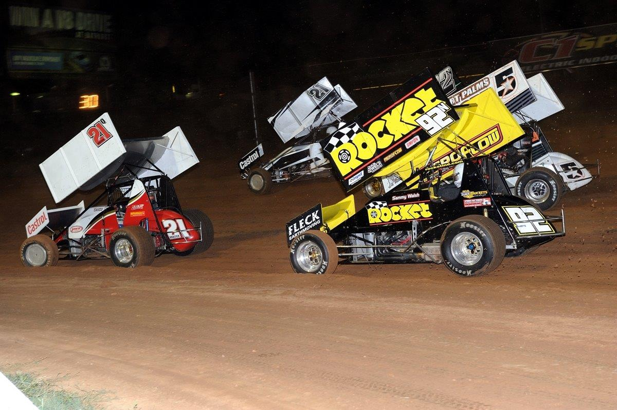 Mid-pack action on Lap 1 of the A Main sees Jordyn Brazier (red 21) leading Garry Brazier (21), James Thompson (22), Danny Reidy (5) and Sammy Walsh (92)