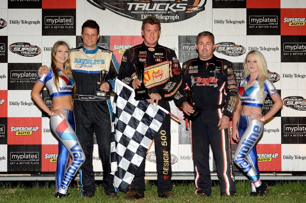 Garry Brazier (centre) won the A Main from Dave Murcott (right) and Adrian Maher