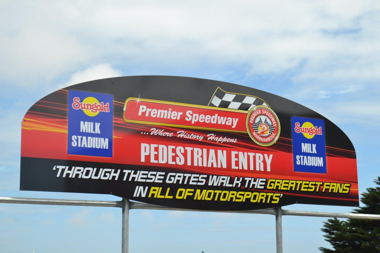 "Premier Tribute: ""Through these gates walk the Greatest Fans of All of Motorsports"""