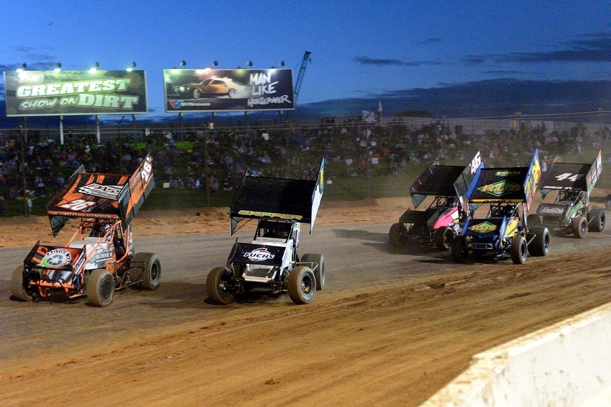 Adam Wray (26) and Blake Skipper (24) battle for the lead in the D Main