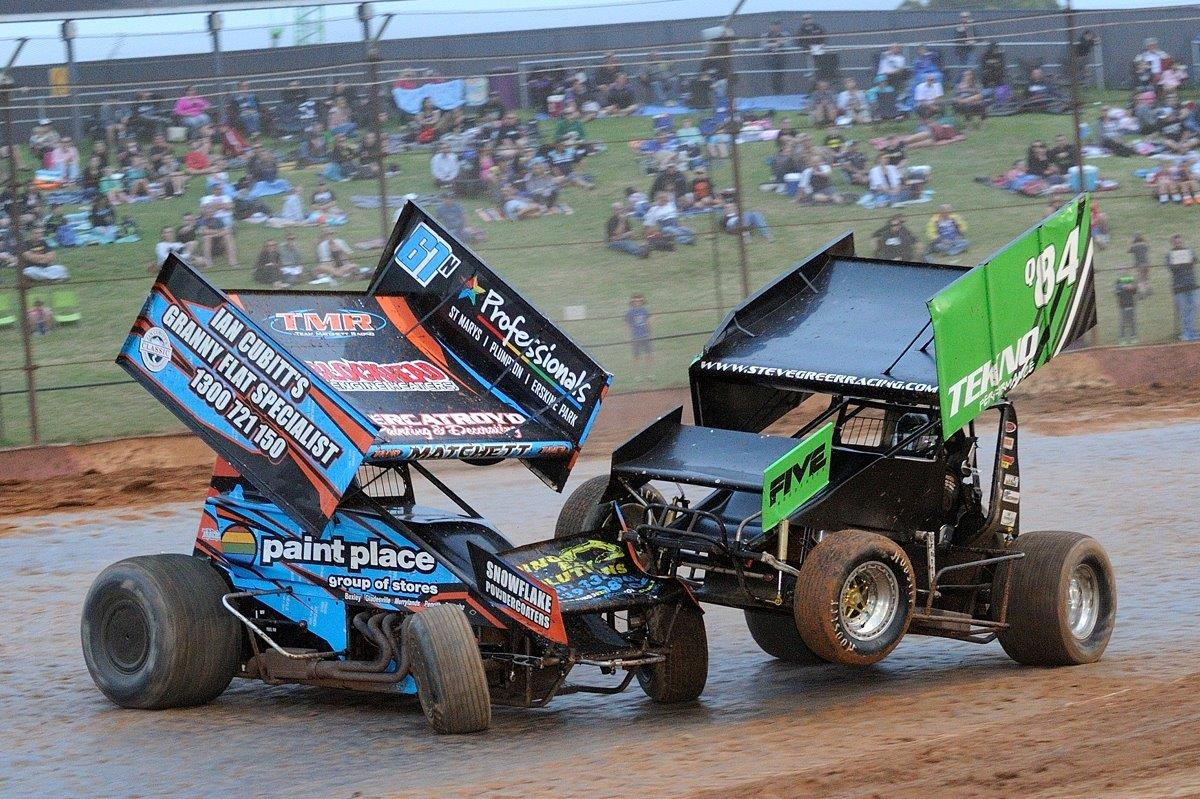 Mick Matchett (61) and Steve Greer (84) come together in the B Main.