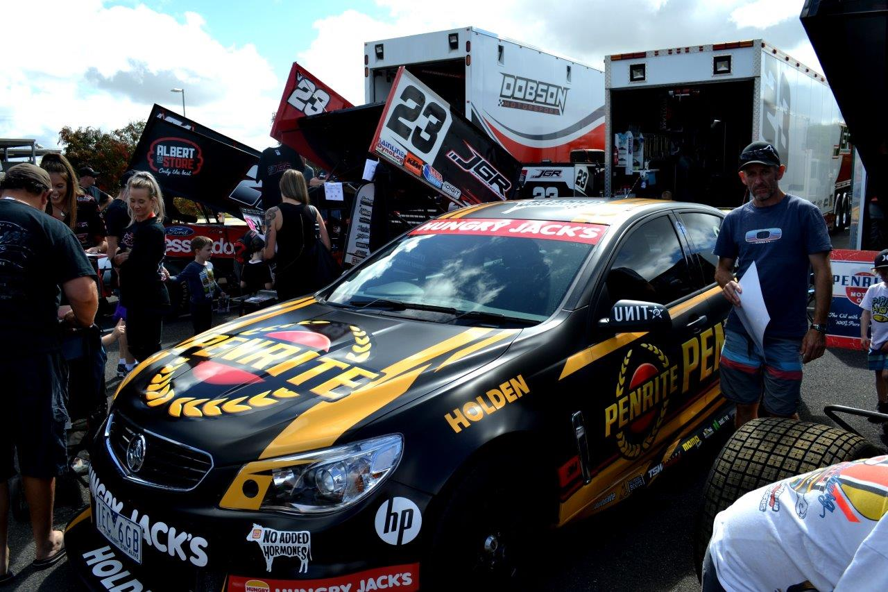 O few other classes were present as well just to add to the mix - This one a V8 Supercar