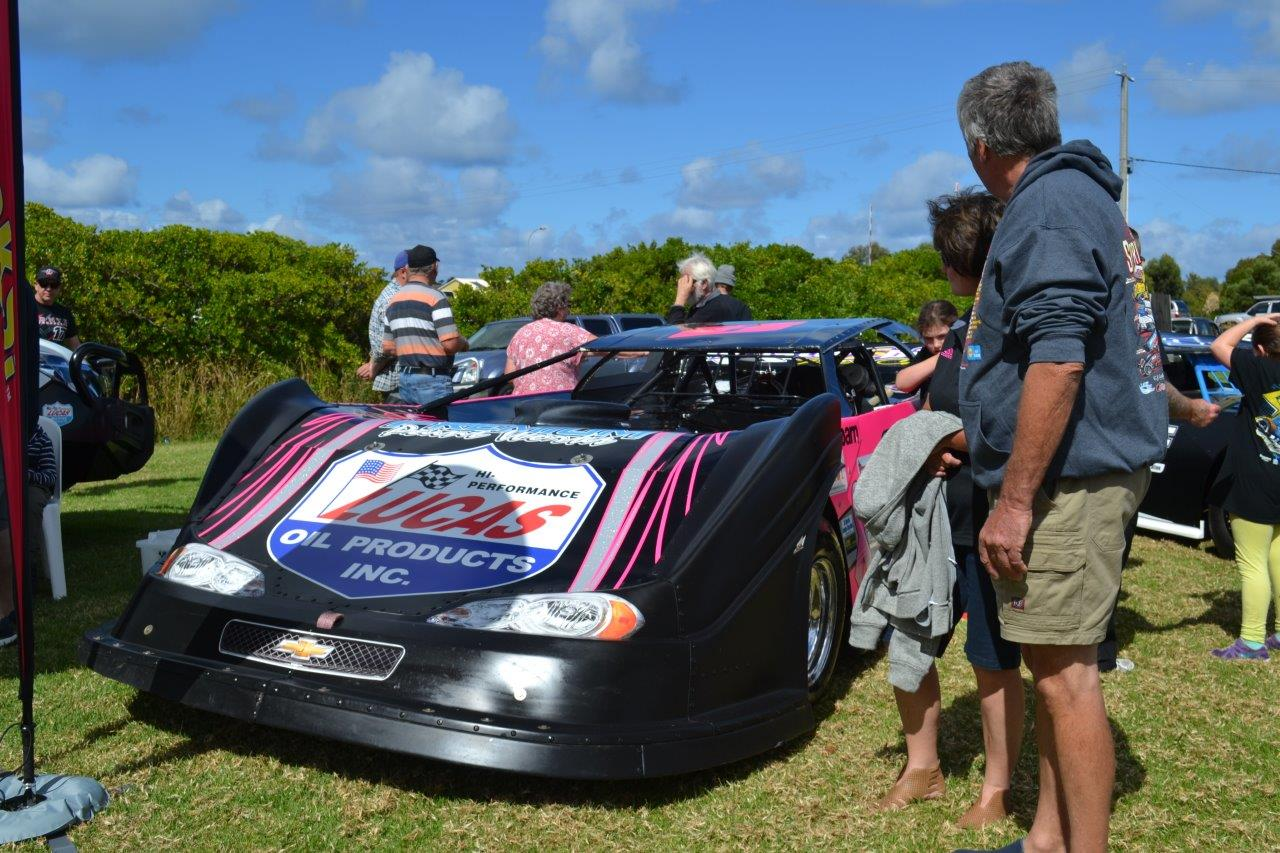 A couple of Late models were there too - they're low and they're long !
