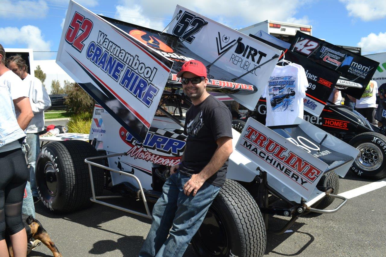 Darren Mollenouyux and his #52 that he will campaign tonight (N2)