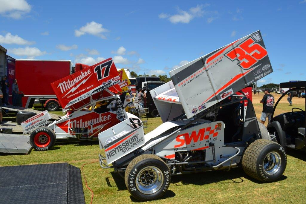Jamie Veal (35) and James McFadden (17)