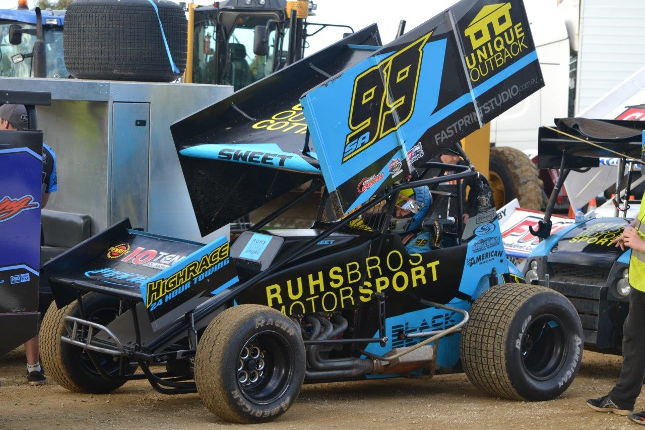 Brad Sweet in his superb Ruhs Bros Motorsport #99