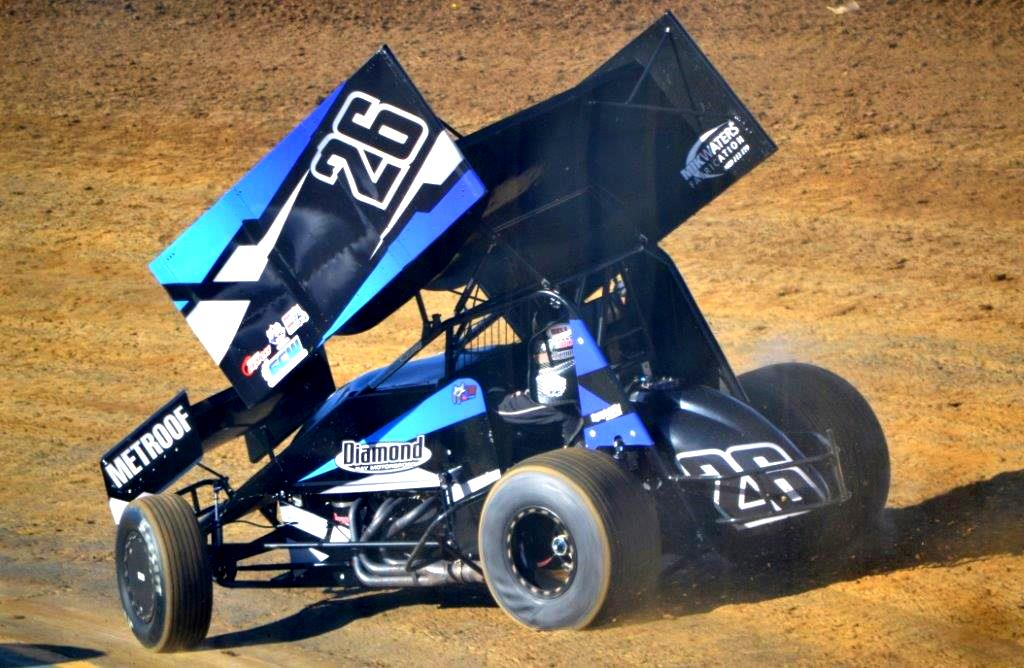 Jason Johnson finished 7th in the A-Main in the Diamond Bay Motorsports entry from WA