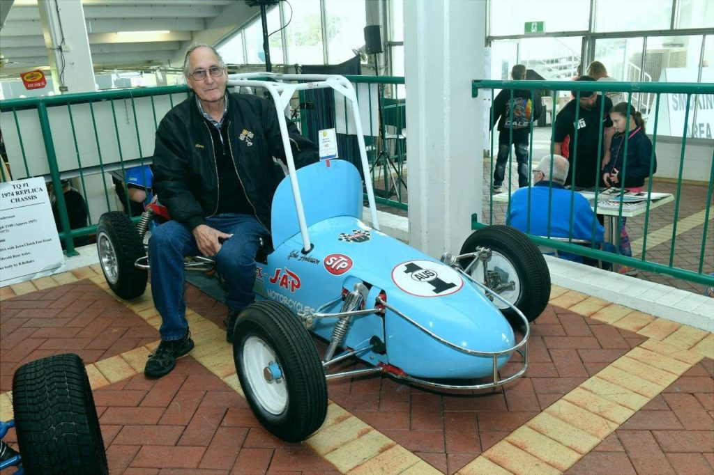Multiple Australian Champ John Anderson and the #1 F500